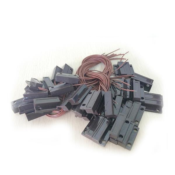 Купить Датчик магнитоконтактный с проводом 30 см MC-38, 27*14*8 мм, пластик, черный, под саморез, липучка + саморезы, 20 штук в упаковке, цена за упаковку