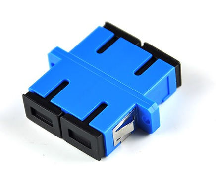 Купить Адаптер оптический Соединение SC \/ UPC-SC \/ UPC DUPLEX, в пачке по 20 штук Q20